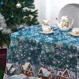 Снежные домики (150х120 см) — скатерть декоративная