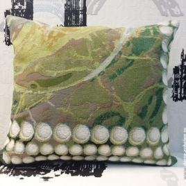Жемчужина (48х46 см) — подушка гобеленовая