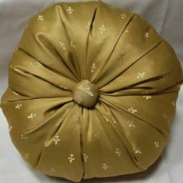 Лилия (песок) d 45 см — подушка декоративная