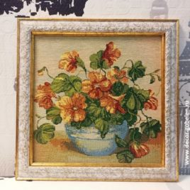 Настурция (29х29 см) — картина в багете